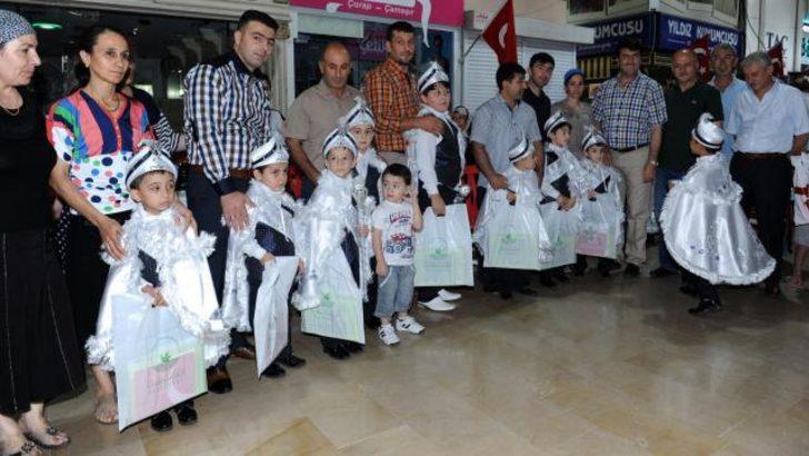 Kapalı Çarşı esnafı, 75 çocuğu sünnet ettirdi