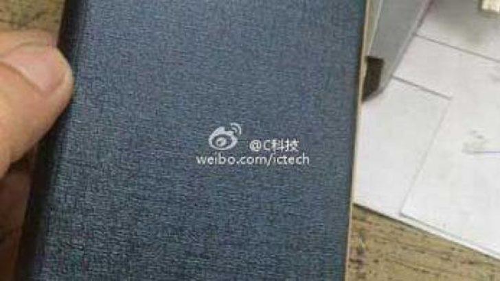 Xiaomi Mi3′ün kılıfı ortaya çıktı