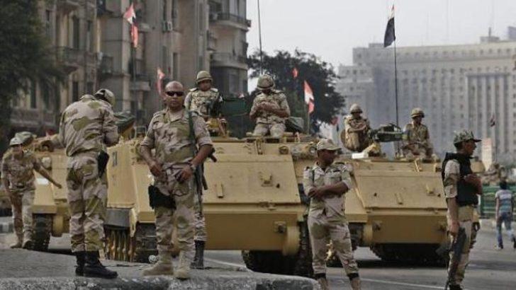 Mısır'da polis aracına saldırı: 25 ölü