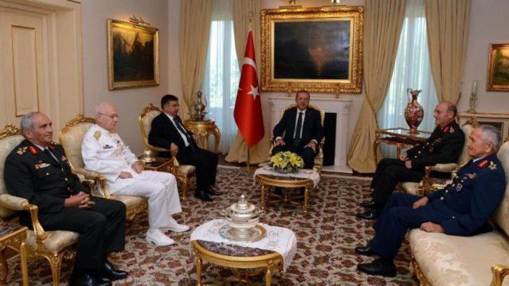 Komutanlardan ilk kez Başbakan'a veda