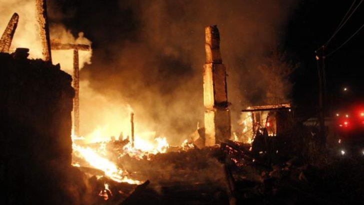 Karabük'te televizyon patladı 4 ev kül oldu