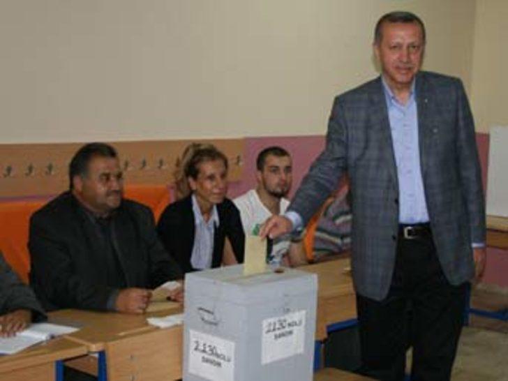 Başbakan Erdoğan oyunu Üsküdar'da kullandı
