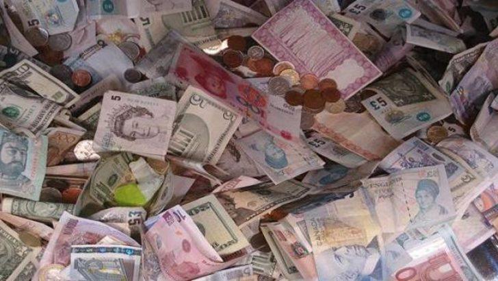 Bir torba parayı sokağa bıraktılar