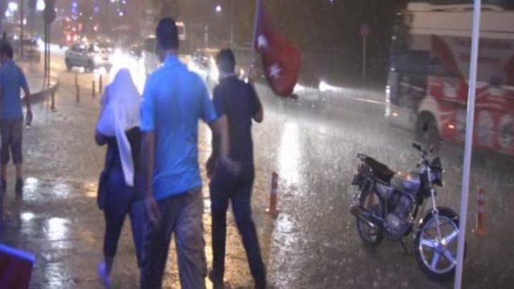 Ereğli'de şiddetli yağış etkili oldu