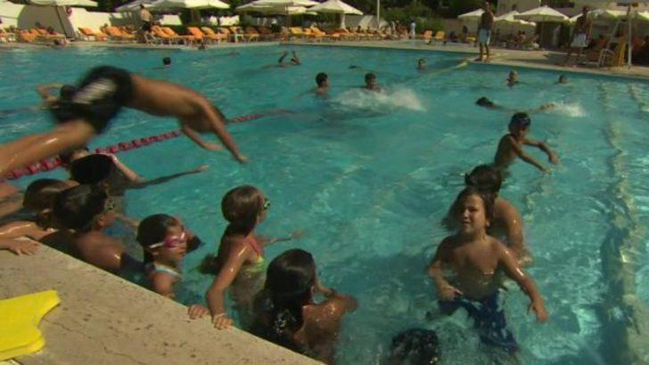 Zengin Suriyeliler havuz başında