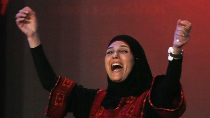 Filistinli mülteci öğretmen küresel öğretmen ödülünün sahibi oldu