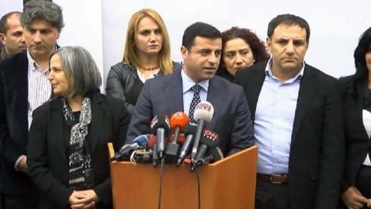 Selahattin Demirtaş Yaşar Kemal'i ziyaret etti