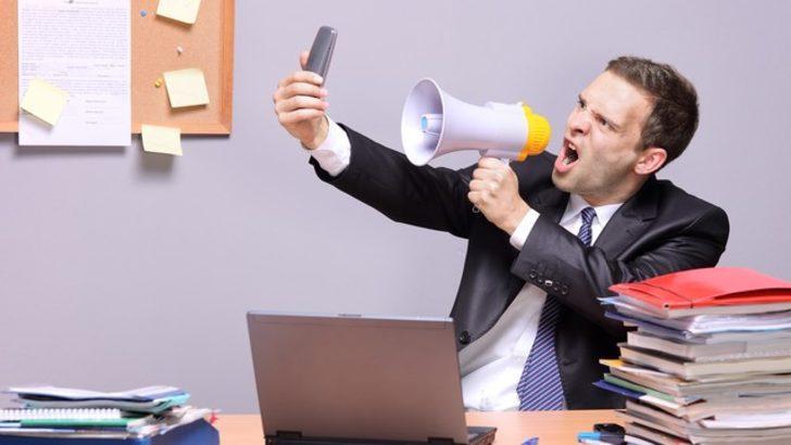 """""""Erkekler telefonda kadın olarak algılandıklarından şikayetçi"""""""