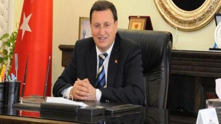 Hatay Belediye Başkanı Lütfü Savaş AKP'den CHP'ye geçti