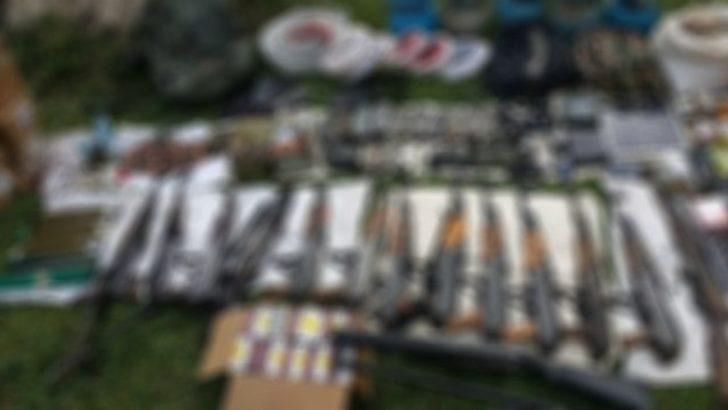 Cizre'de YDGH'lilerin terk ettiği bazı evlerde silah ele geçti