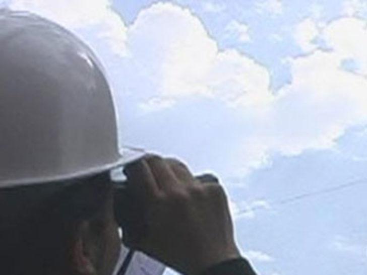 İzmir açıklarında esrarengiz uçak
