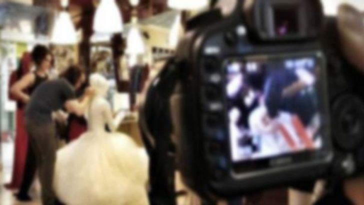 Düğünü çekerken kameraya kaset koymayı unuttu, ceza aldı