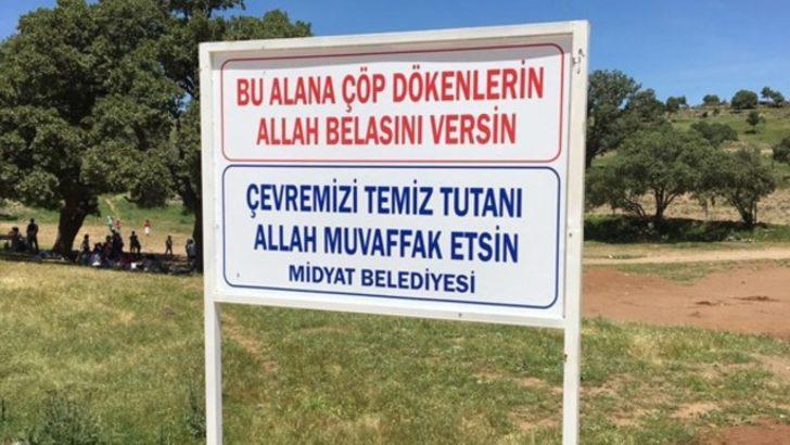 Midyat Belediyesi'nden dualı ve beddualı uyarı tabelası!