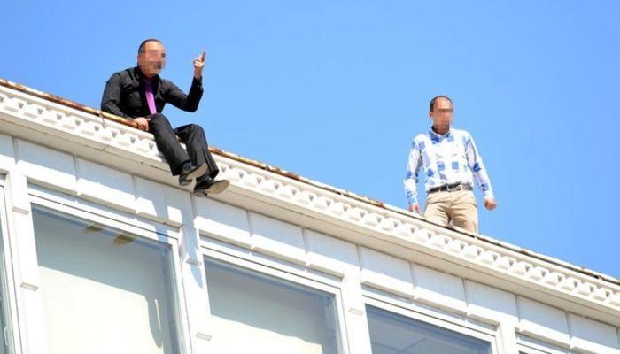 İşten çıkarılan 4 işçi çatıya çıktı