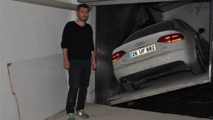 Otomobilini 1 yıldır asansörden çıkaramıyor