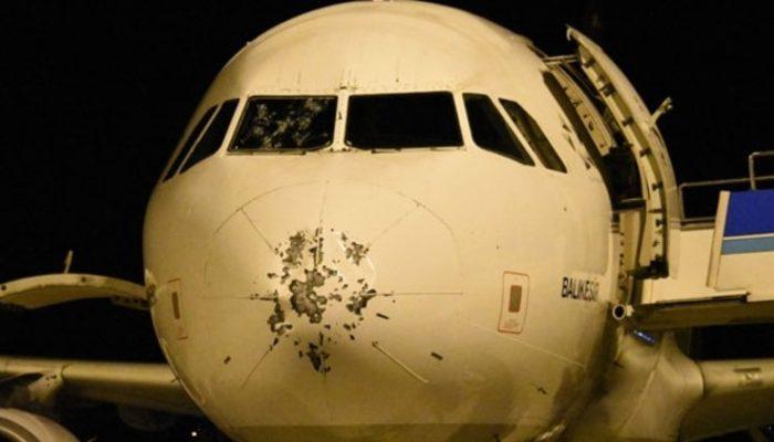 Kokpit camı çatlayan uçaktaki yolcu: Uçak denize inecek dedik