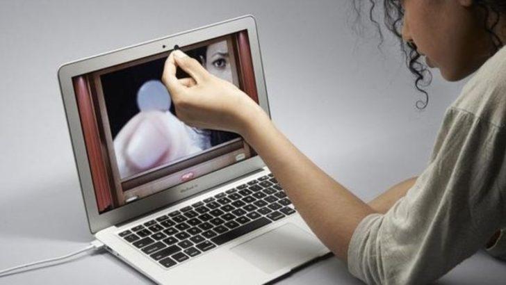 Facebook webcam'den sizi mi izliyor?