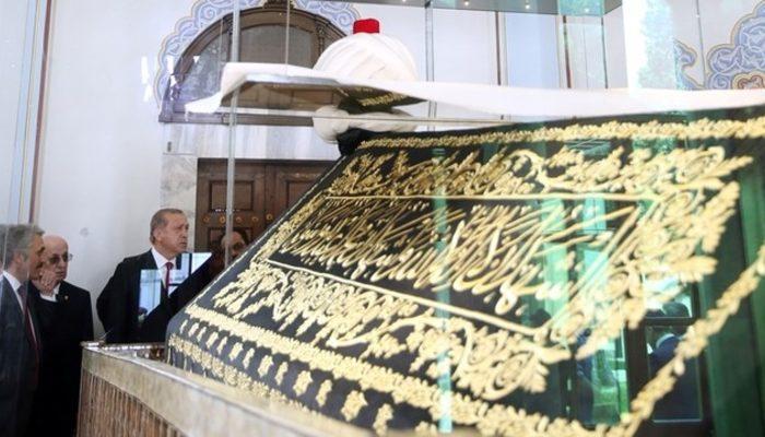 Cumhurbaşkanı Erdoğan, Yavuz Sultan Selim Türbesi'ni ziyaret etti