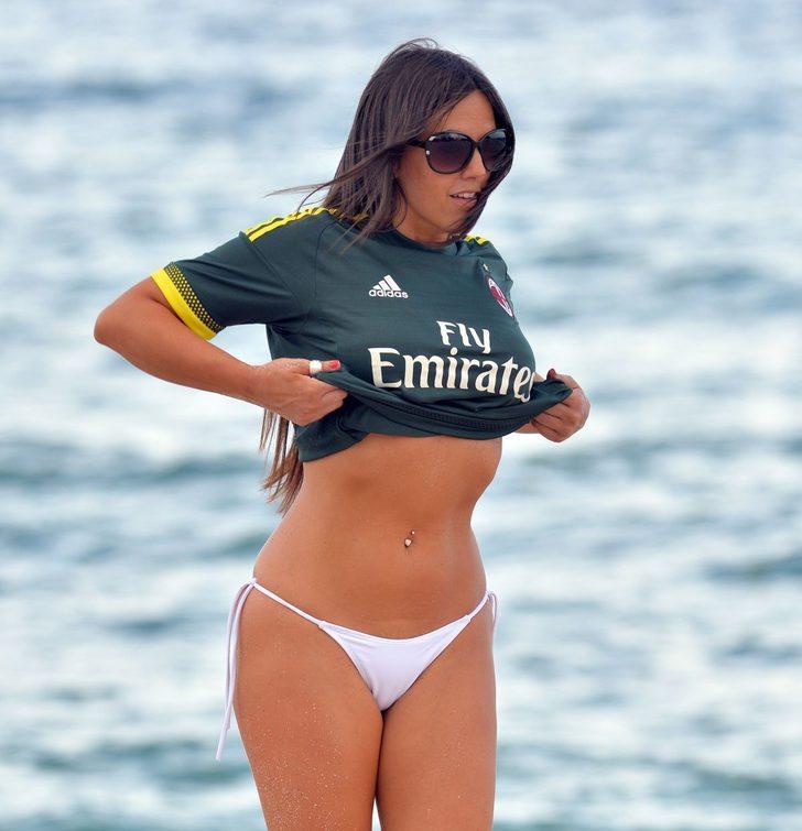 Hakem Claudia Romani Galatasaray forması giydi