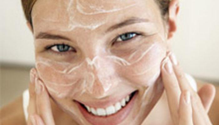 Peeling Nedir? Evde Peeling Maskesi Nasıl Yapılır?