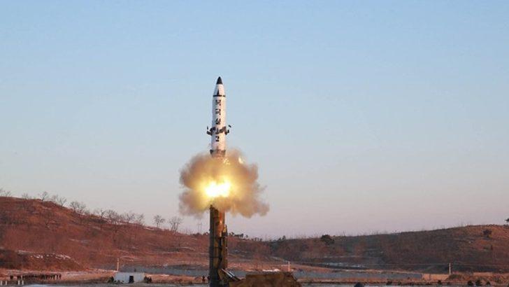 Kuzey Kore'ye 'canavar güzeler' ile gözdağı