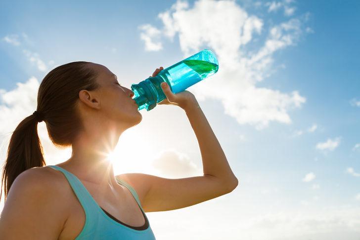 Suyu asla bir dikişte içmeyin! Sebebi çok şaşırtıcı