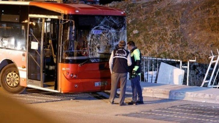İki otobüs arasında sıkışıp feci şekilde can verdi!