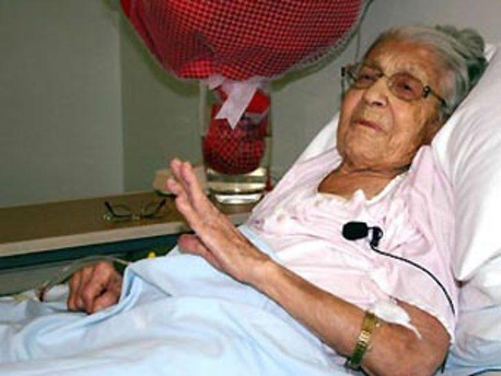 İlk kadın öğretmen Refet Angın öldü