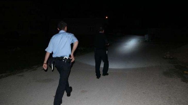 Hırsız polislerin yanına gidip 'ben hırsızım' dedi...
