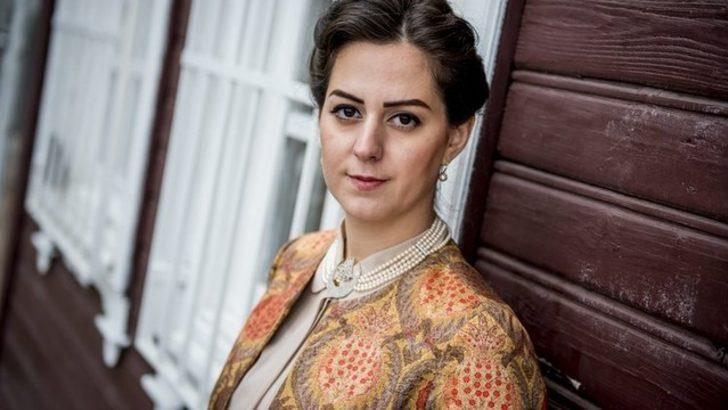 Nilhan Osmanoğlu olmayan dernekte ders veriyor
