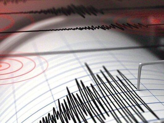 Endonezya'da son dakika 7.3 büyüklüğünde deprem! Tsunami uyarısı