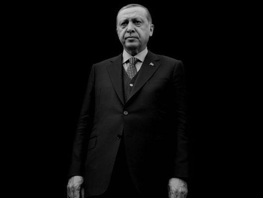 """""""Erdoğan'a bakınca parkasız Deniz Gezmiş'i görüyorum"""""""