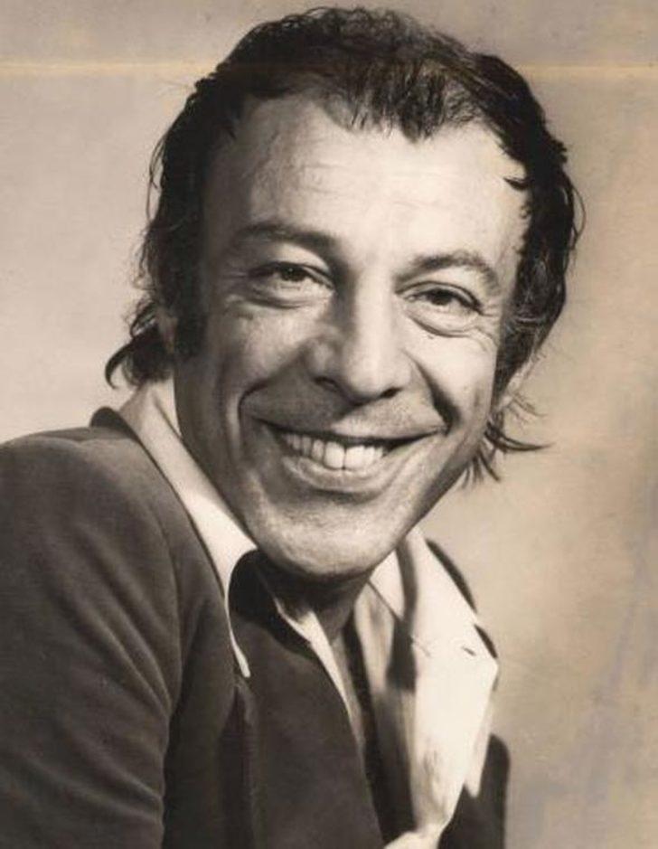 1960 ile 1970 yılları arasında kırkın üzerinde filmde rol alan Özkul, daha önce Atlan Karındaş'la birlikte inanılmaz başarısı sonucunda, 1971 yılında Türk tiyatro ve ortaoyunu üstadı İsmail Dümbüllü'den ödül aldı.