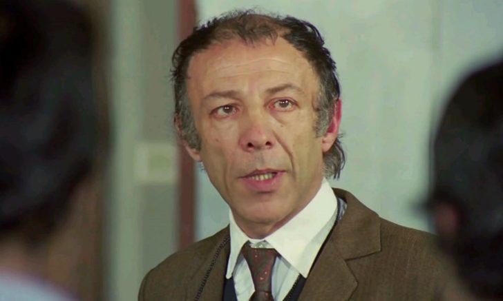 1991 yılında ise, en önemli tiyatro ödülleri arasında gösterilen, Dümbüllü Ödülü'ne layık görüldü.