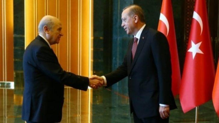 Özgür Özel'den Erdoğan ve Bahçeli için şok sözler: İki korkak...