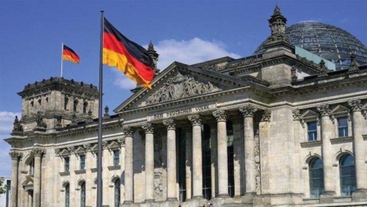 Almanya, İsrail devletini tanımayan göçmenleri sınır dışı edecek