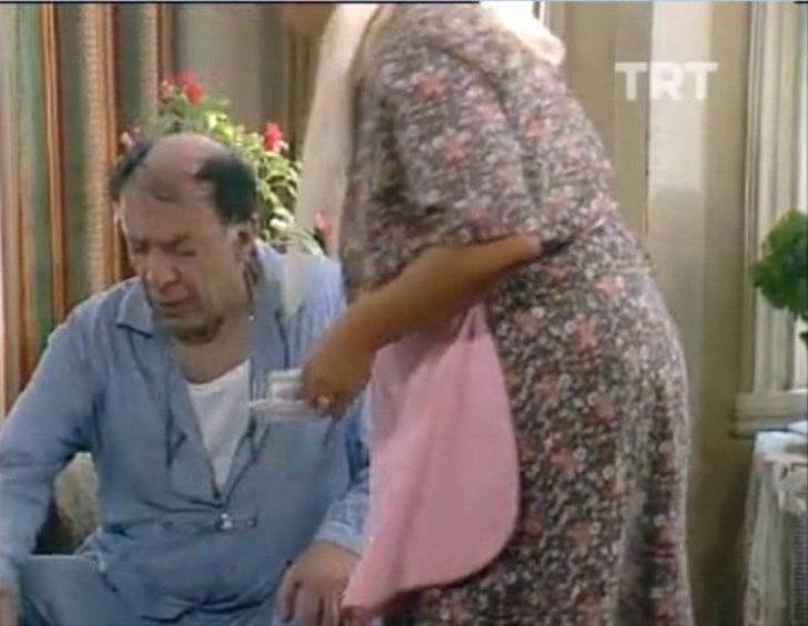 1987 yılında TRT 1'de yayınlanmış olan Uzaylı Zekiye isimli dizi Türkiye'nin ilk dizilerinden biriydi.