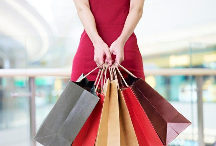Kadınlar alışveriş yaparak rahatlıyor
