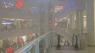 Ünlü alışveriş merkezinde büyük panik!