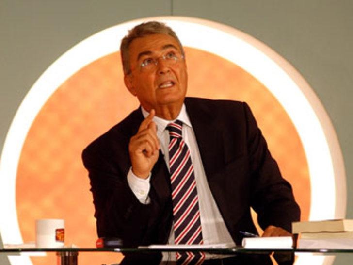 Baykal, Ecevit'in cenazesi için Türkiye'ye dönecek