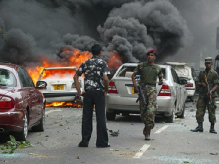 Sri Lanka'da askeri konvoya saldırı