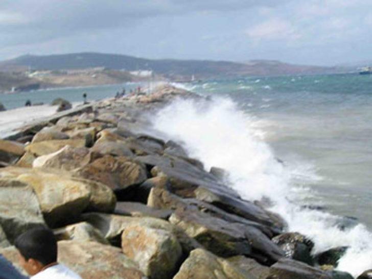 Fırtına deniz ulaşımını olumsuz etkiledi