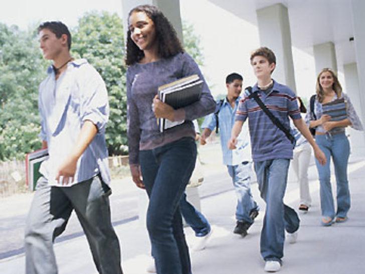 Yurt dışına öğrenci gönderilmesine durdurma