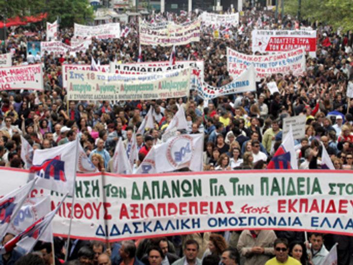 Yunanistan'da genel grev yaşamı felç etti