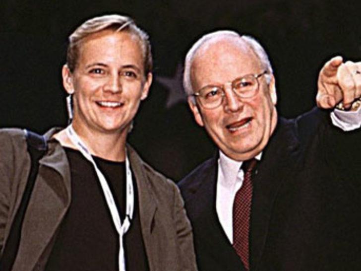 Cheney'nin lezbiyen kızı hamile
