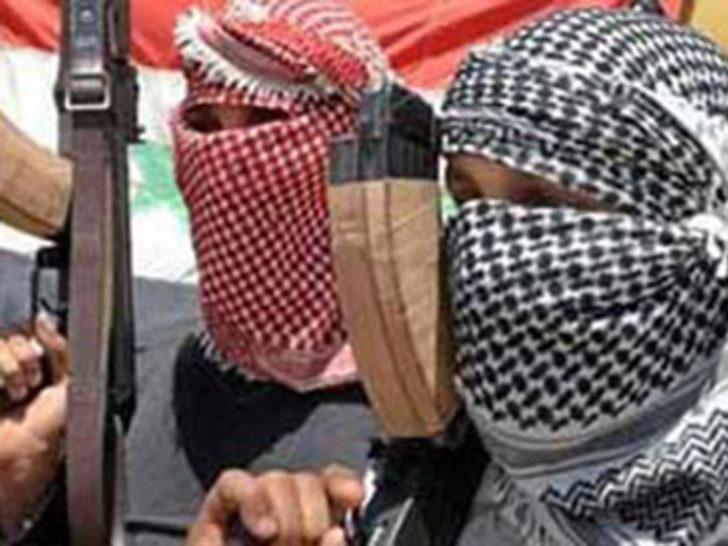 El Kaide militanları 14 sivili kaçırdı