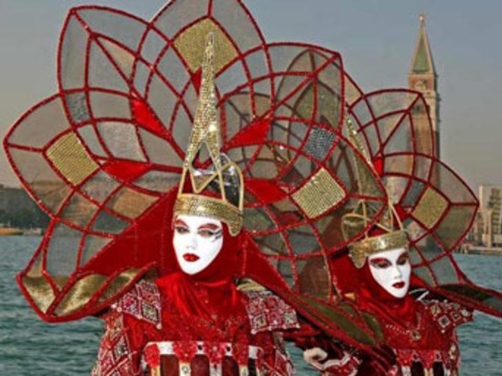 Venedik maskeleri göz kamaştırıyor