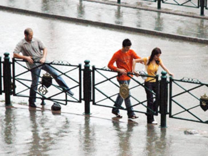 İstanbullulara yağmur uyarısı