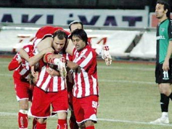 Yeni lider Sivasspor