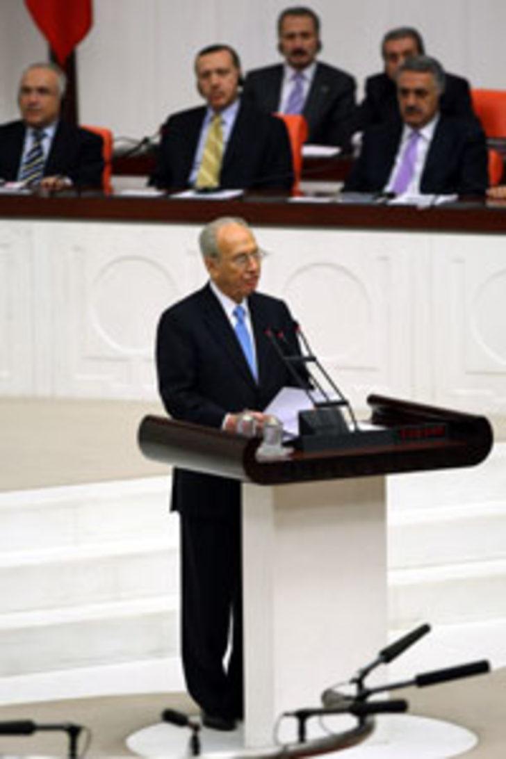 Peres, TBMM'de Cahit Sıtkı şiiri okudu